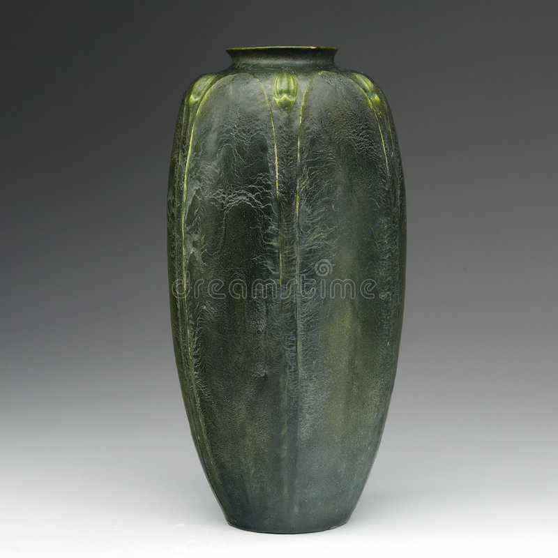 Download Early And Rare Grueby Art Pottery Editorial Stock Photo - Image: 8620548