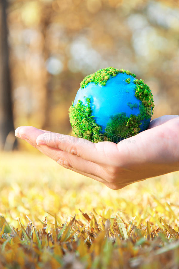 Free Earth In Hand Royalty Free Stock Image - 23295316