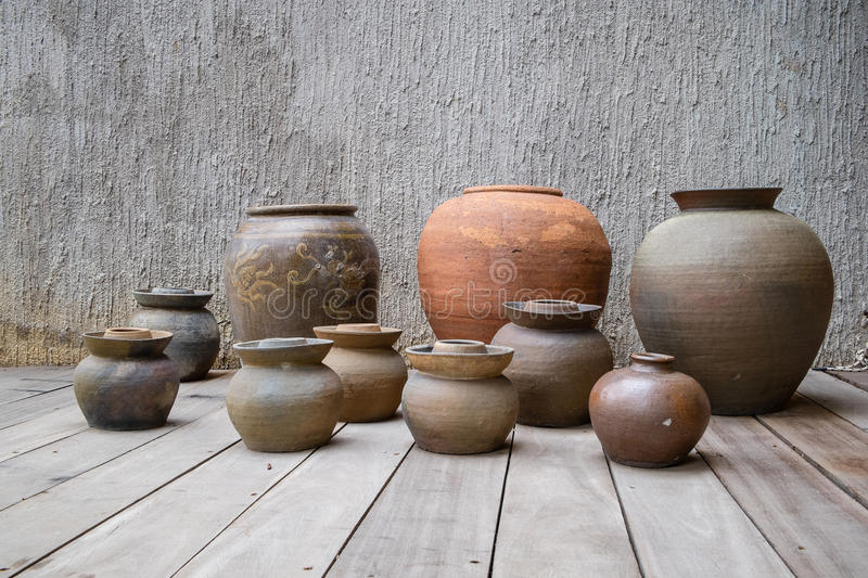 Earthen jar royalty free stock images