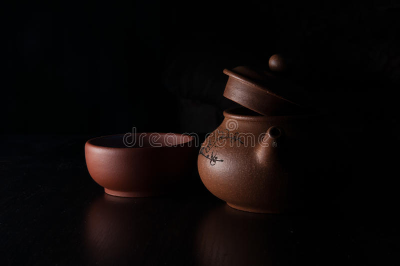 Earthenware teapot fotografia stock