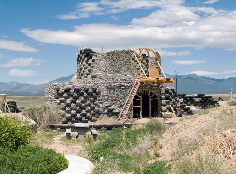 earthship κατασκευής κάτω στοκ εικόνα
