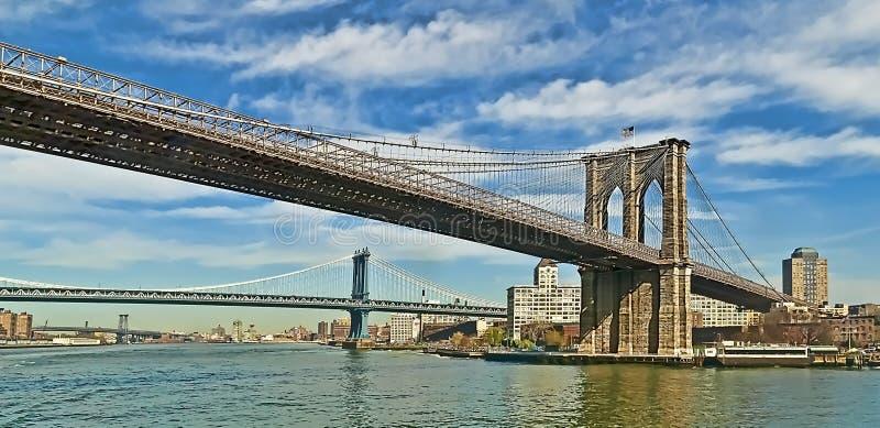 East- Riverbrücken lizenzfreie stockfotografie