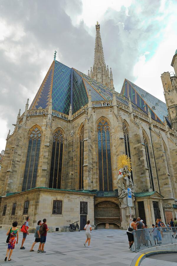 East side of St Stephen's Cathedral Stephansdom with its Capistran Chancel and the South Tower, Wien Wien, Österrike royaltyfri foto