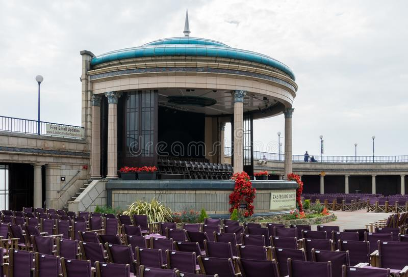 Eastbourne Bandstand morzem w Wschodnim Sussex UK fotografia stock