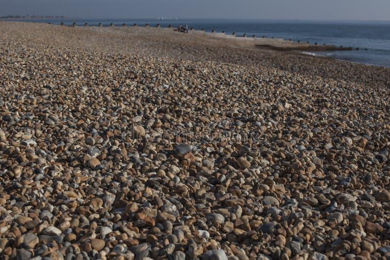 Eastbourne, East Sussex, Anglia - otoczaki na plaży; zbliżenie zdjęcie stock