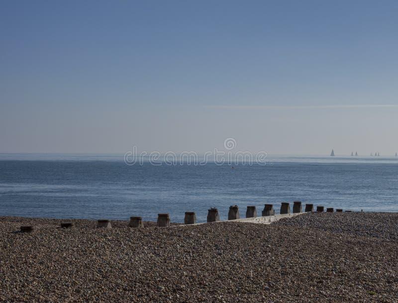 Eastbourne, Inglaterra, East Sussex - mar e a praia foto de stock