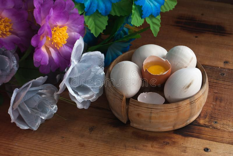 Easter background with eggs and flowers. royalty free stock photography