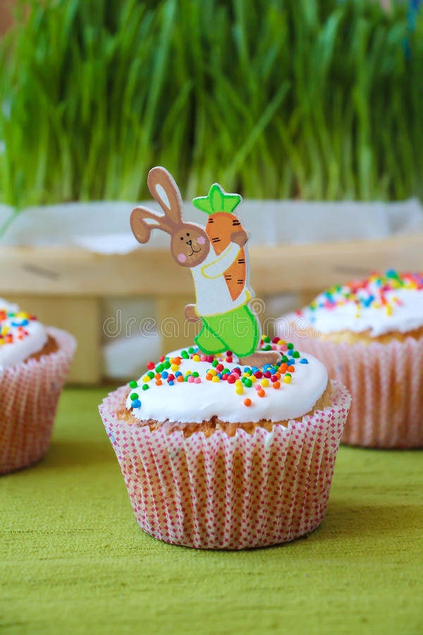 Easter bunny on the maffin royalty free stock photography