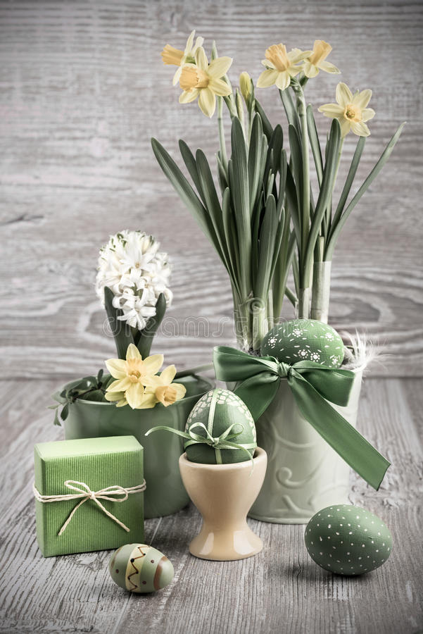 Free Easter Composition With Eggs And Daffodils Royalty Free Stock Image - 38932236