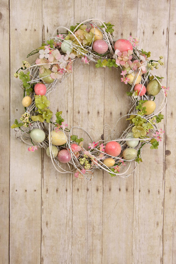Free Easter Egg Wreath Stock Photos - 18400943