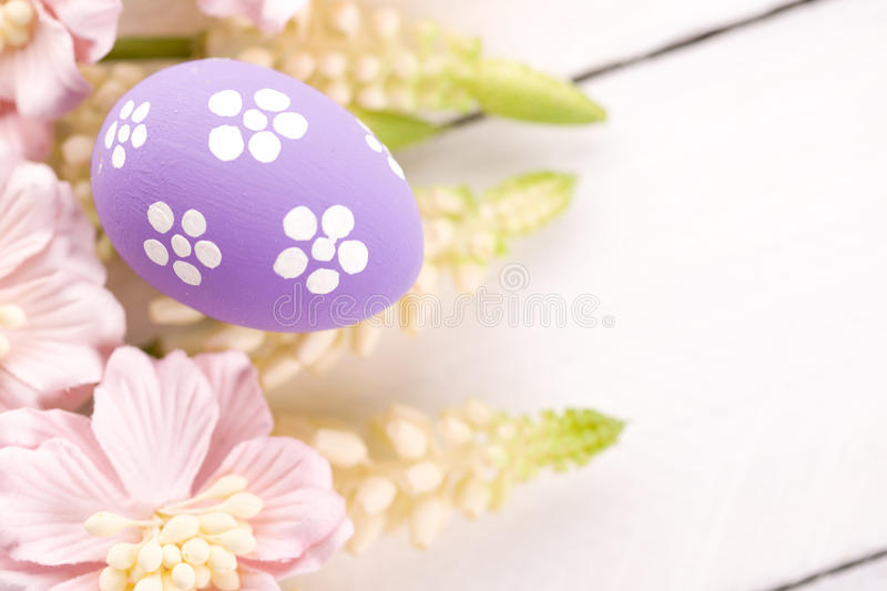 Easter Eggs with Spring Flowers. Studio shot royalty free stock photos