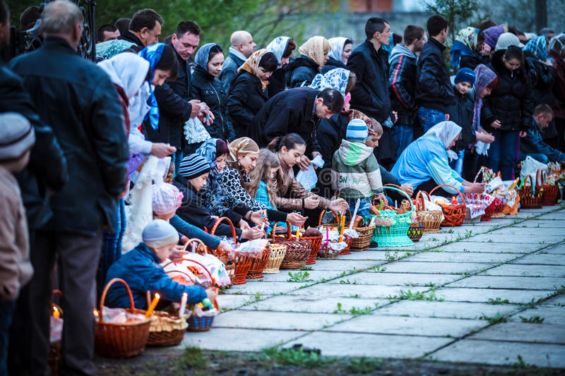Download Easter, Parishioners Of The Orthodox Church Editorial Stock Image - Image: 24450429