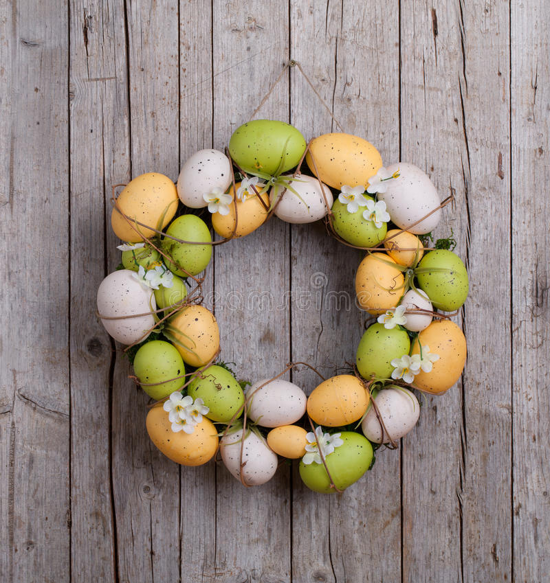 Free Easter Wreath Of Eggs Stock Image - 85149681