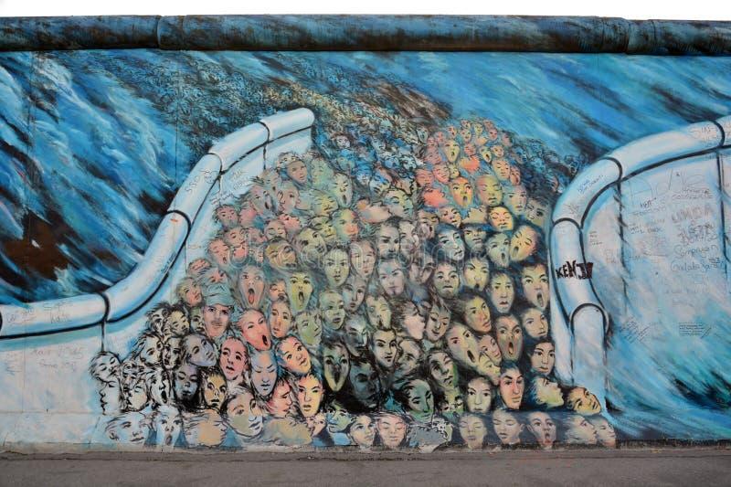 Eastside galeria, berlinwall, w Berlin zdjęcia stock