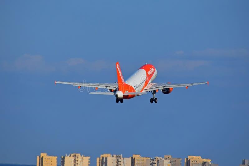 Easyjet阿利坎特机场西班牙 库存照片