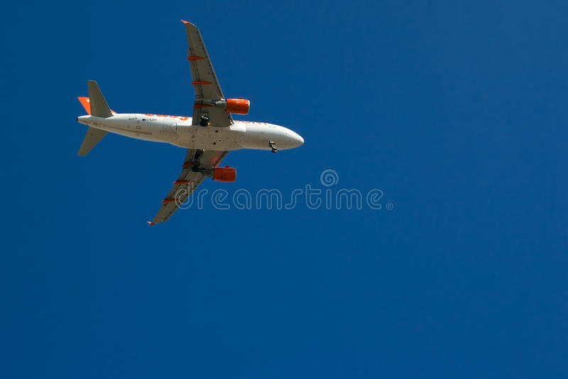 Download Easyjet Airbus A319-111 Editorial Stock Photo - Image: 26099158