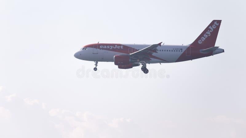 EasyJet d'Airbus A319 d'avion de passagers images libres de droits