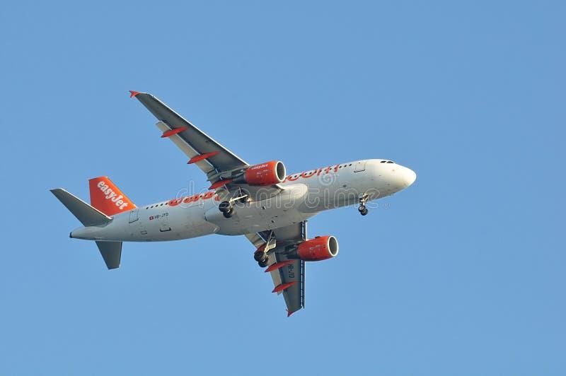 Easyjet flygbuss A320-214 royaltyfria foton
