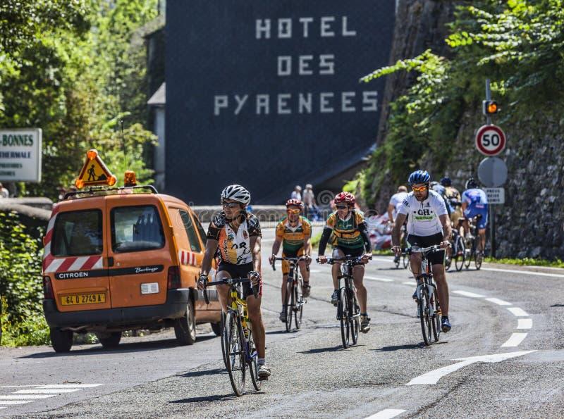 Amateur Fietsers op de Wegen van Le Tour DE Frankrijk stock foto