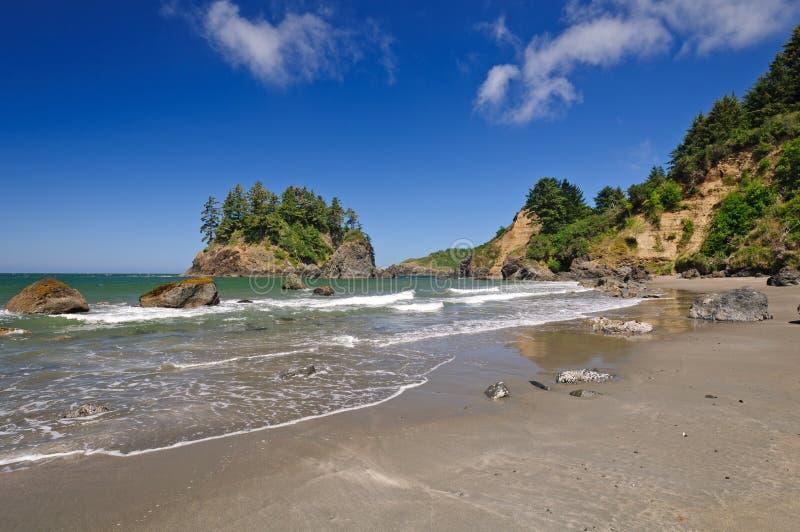 Eaux côtières sur la côte ouest photographie stock libre de droits