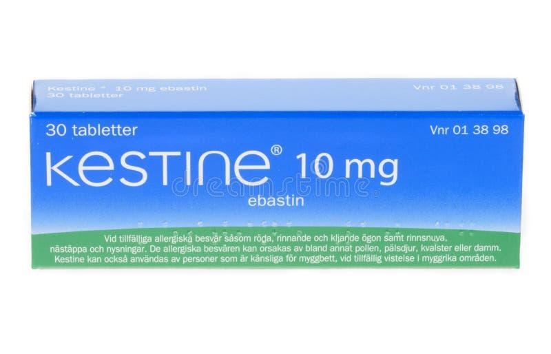Ebastin di mg di Kestine 10, medicinale antiallergico, isolato su fondo bianco immagine stock libera da diritti