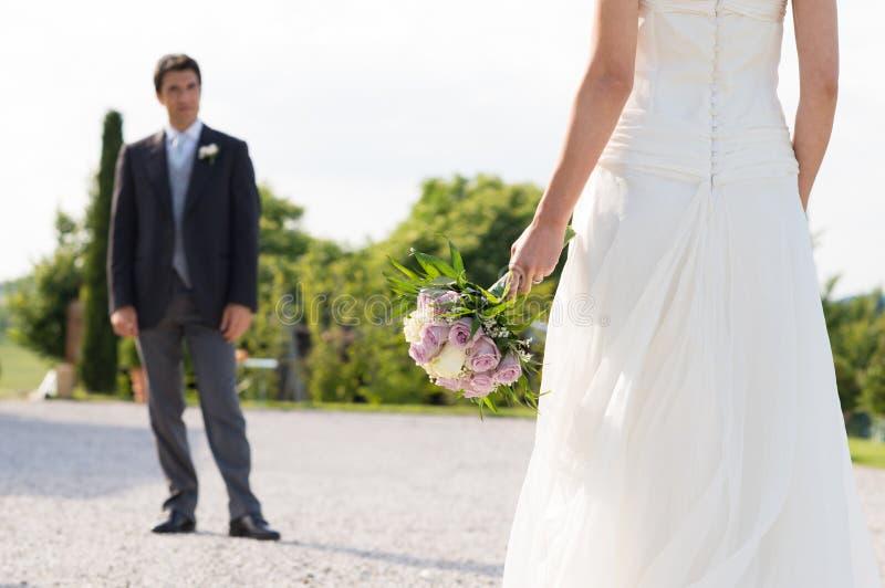 Eben verheiratetes Paar stockfoto