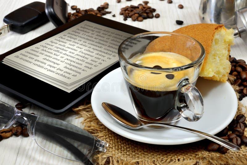 Ebook-Frühstück stockfotos