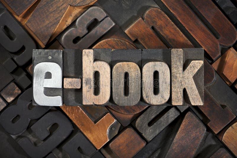 EBook, geschrieben mit Hochdruckblöcken lizenzfreies stockbild