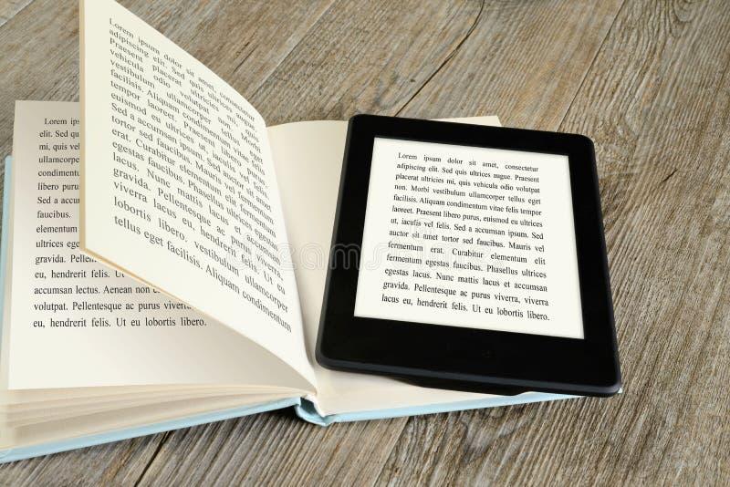 Ebook-Leser lizenzfreies stockbild