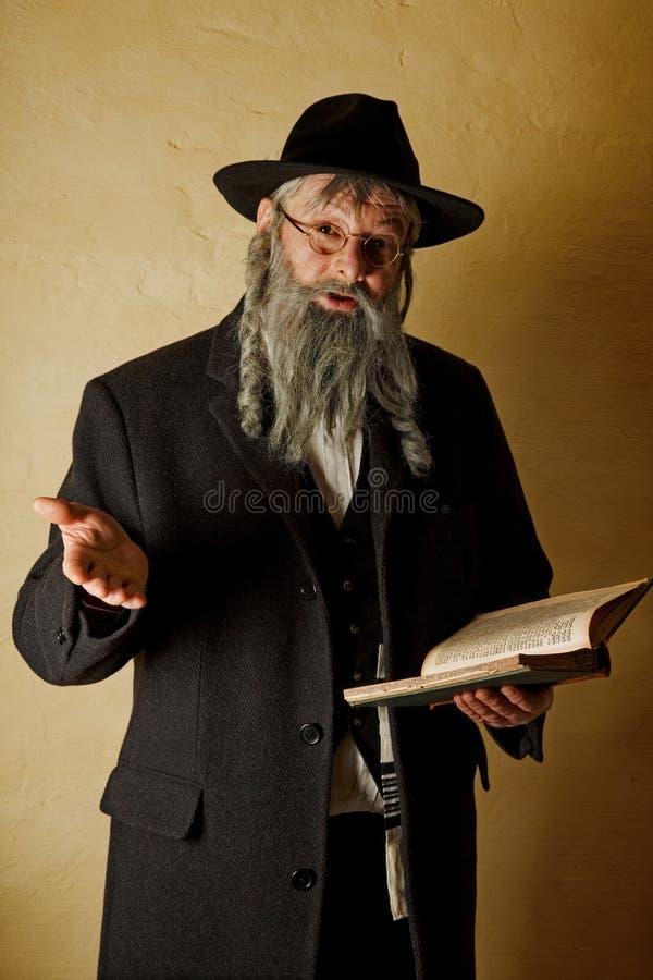 Ebreo anziano con il libro fotografia stock libera da diritti
