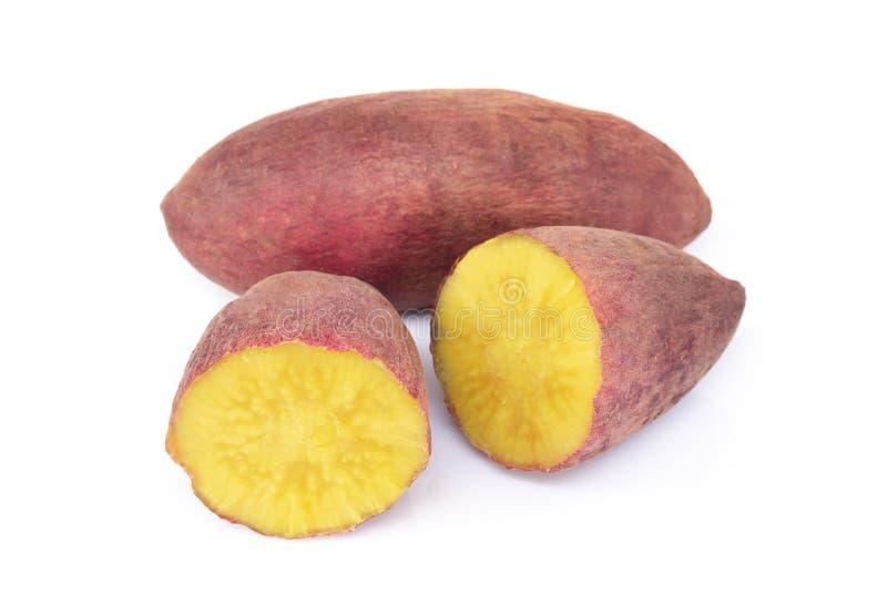 Ebullici?n de la patata dulce aislada en el fondo blanco, concepto de la dieta sana de la comida imagen de archivo libre de regalías