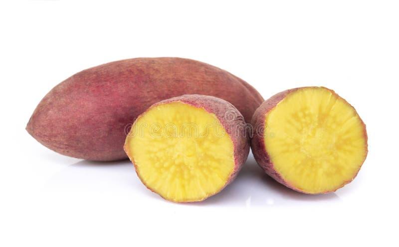 Ebullici?n de la patata dulce aislada en el fondo blanco, concepto de la dieta sana de la comida imagen de archivo