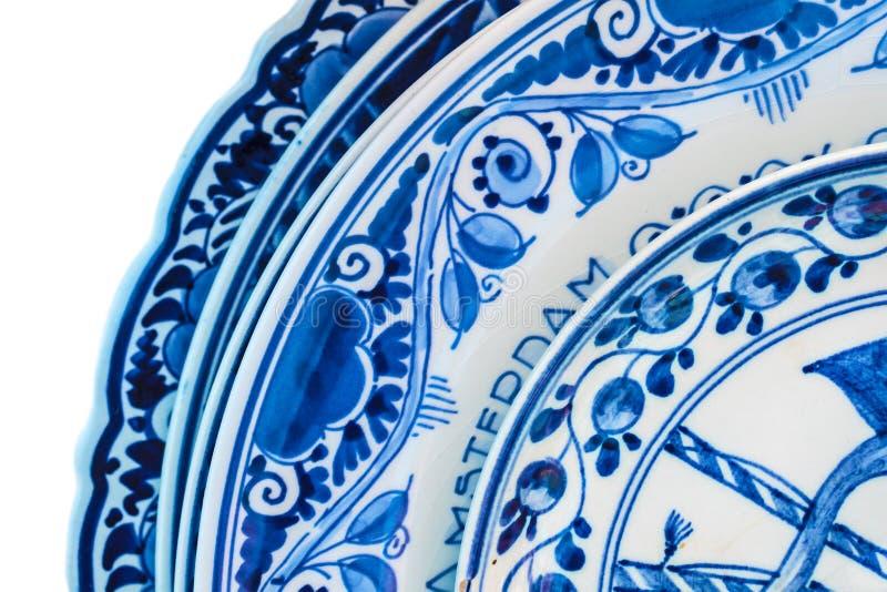 Echt oud Nederlands blauw en wit porselein dishware stock foto's