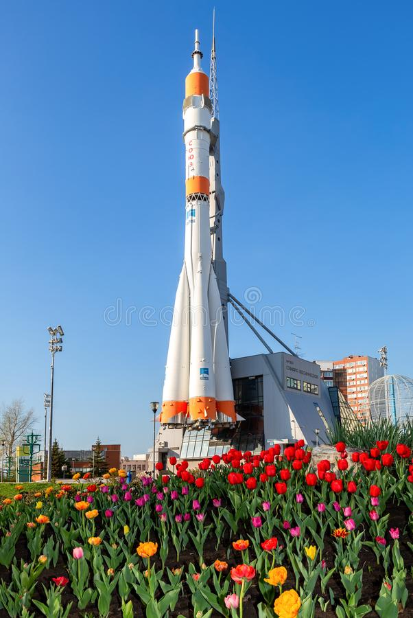 Echt Soyuz-type ruimtevaartuig als monument en tentoonstellingscentrum royalty-vrije stock afbeelding