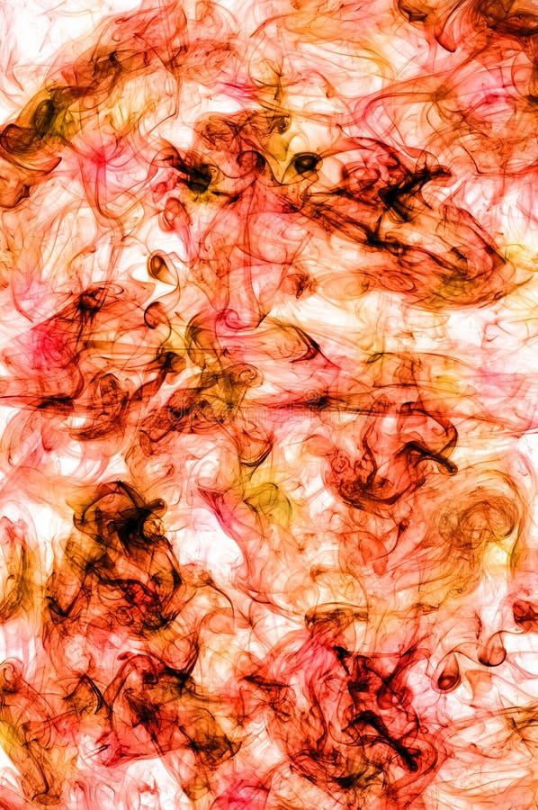Echte rode en oranje rook. Abstracte achtergrond stock fotografie