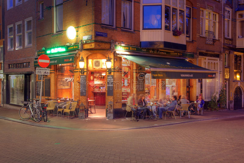 Eck Kaffee-kaufen Sie in Amsterdam, die Niederlande lizenzfreies stockbild
