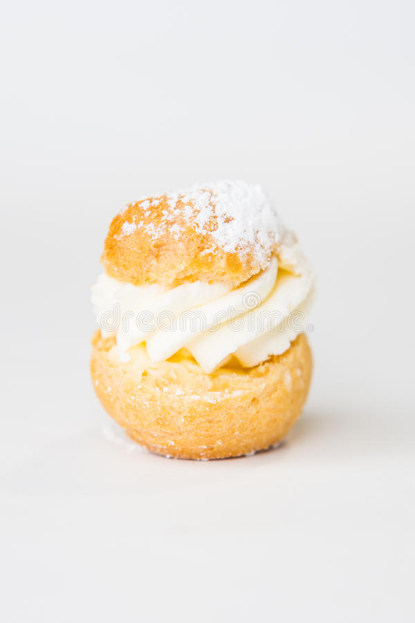 Free Eclair Royalty Free Stock Photography - 39329967