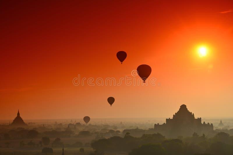 Eclipse en Bagan fotos de archivo