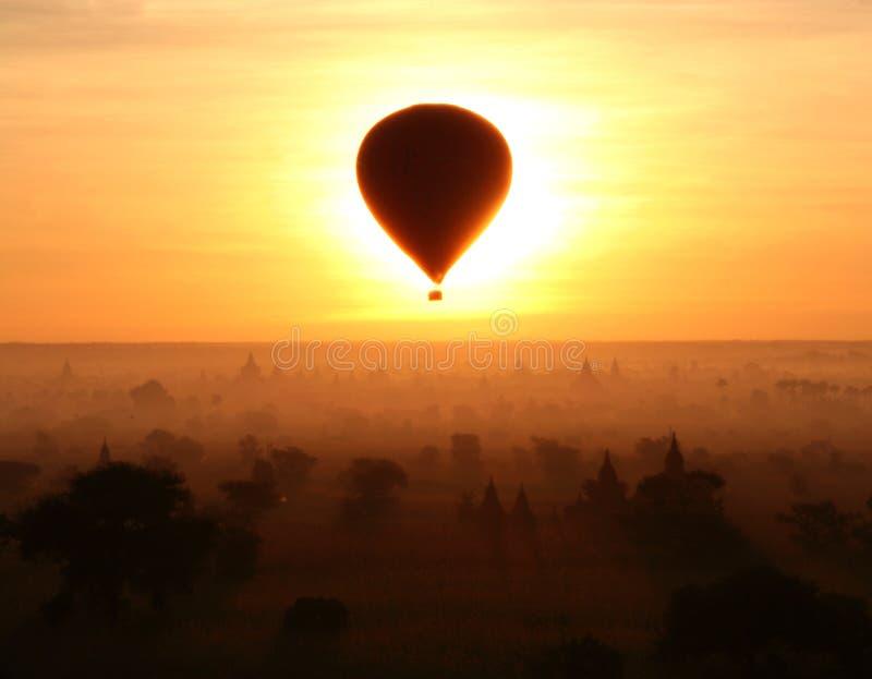 Eclipse en Bagan (Myanmar) foto de archivo