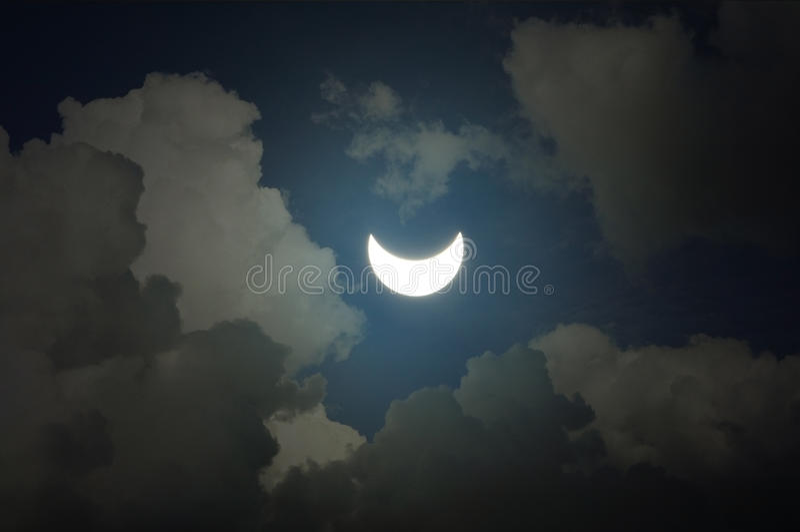 Eclipse solar parcial imagens de stock