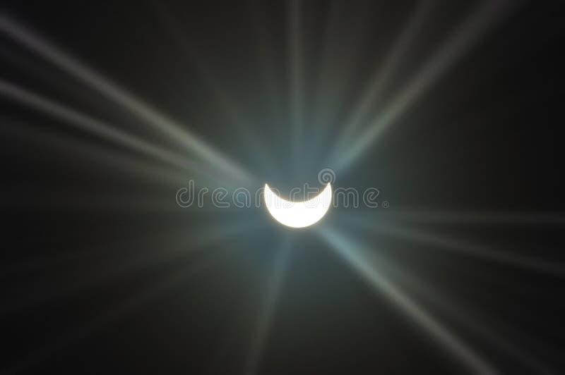 Eclipse solar parcial fotos de stock