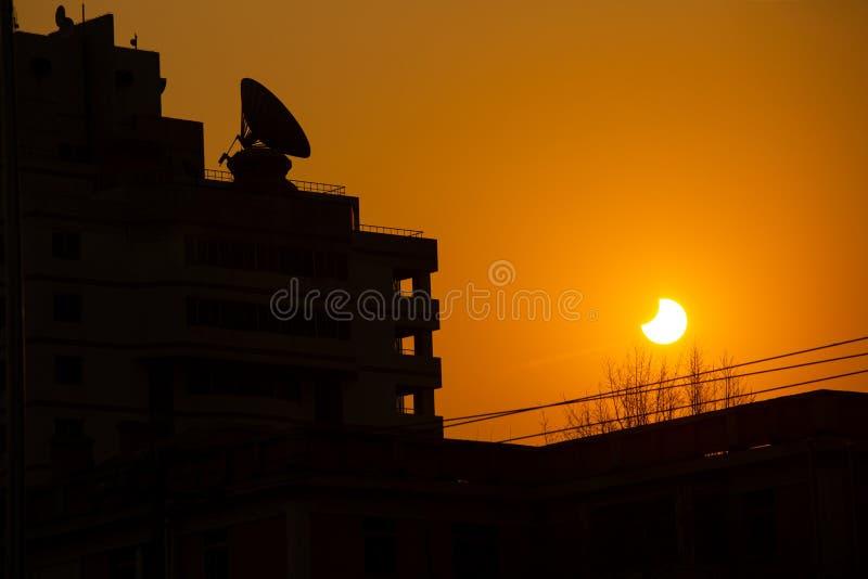Eclipse solar parcial, Pequim, 1/6/2109 imagens de stock royalty free