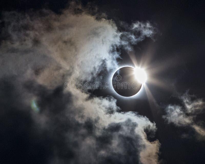 Eclissi solare completa 2017 immagine stock