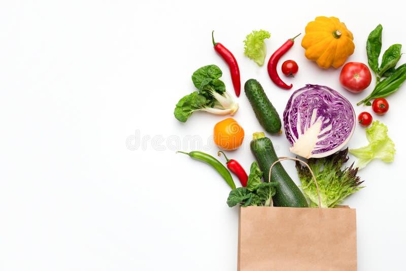 Eco życzliwy torba na zakupy z organicznie warzywami obrazy royalty free