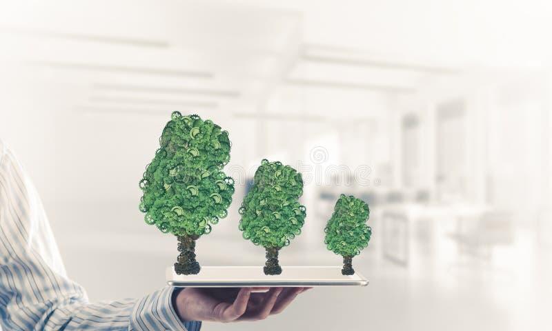 Eco esverdeia o conceito do ambiente apresentado pela árvore como o mecha de trabalho imagens de stock