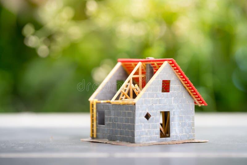 Eco malutki dom & lokalowej nieruchomości pojęcie obrazy royalty free