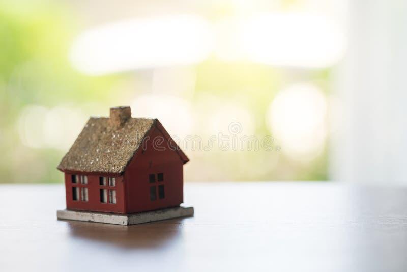 Eco malutki dom & lokalowej nieruchomości pojęcie fotografia royalty free