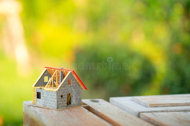 Eco malutki dom & lokalowej nieruchomości pojęcie obraz stock