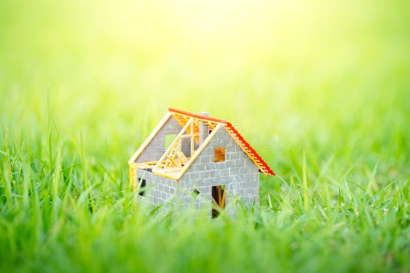 Eco uiterst klein huis & woonwijkconcept royalty-vrije stock foto