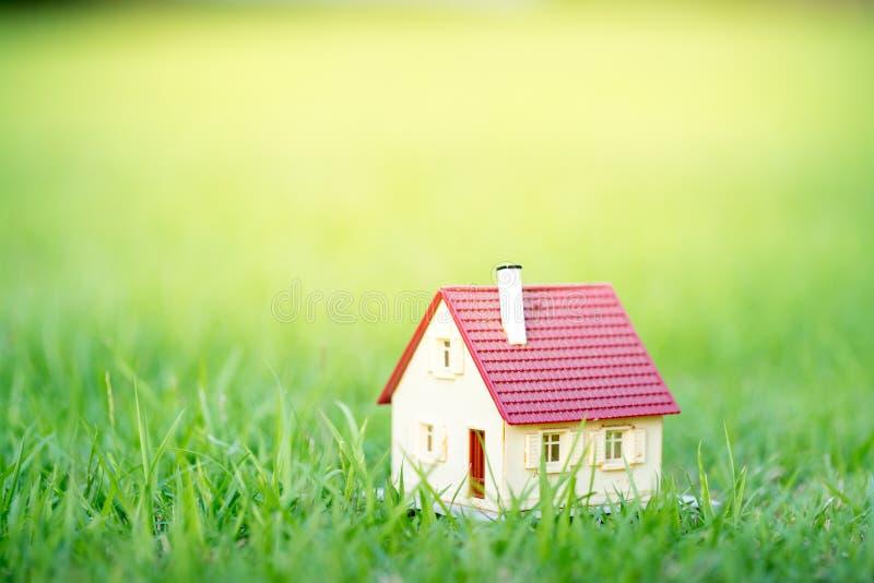Eco uiterst klein huis & woonwijkconcept royalty-vrije stock foto's